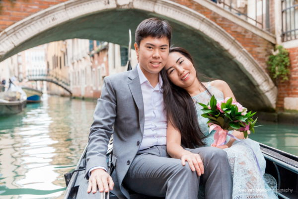 Marriage proposal in Venice