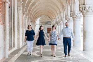 family photographer in Venice