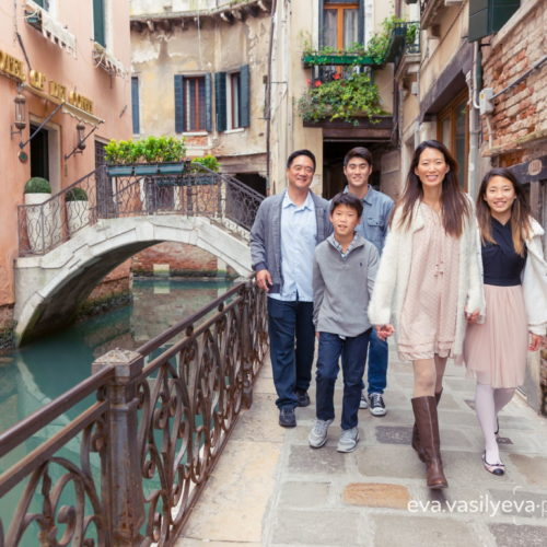 family travel photographer in venice