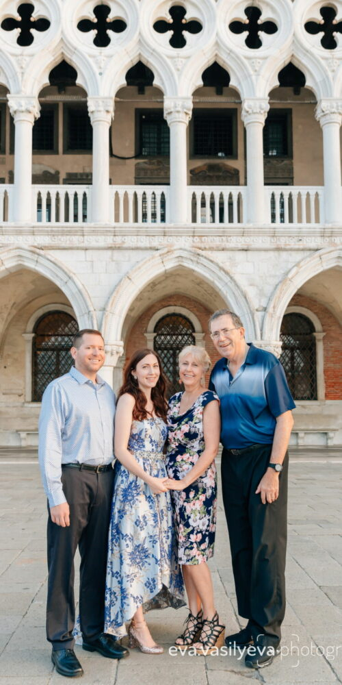 family photoshoot in venice