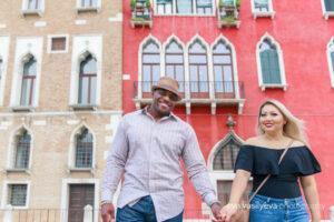 honeymoon couple photo shoot, photographer in venice