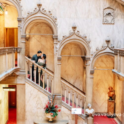 Romantic photo shoot of B&B star Jacqueline MacInnes Wood (Steffy) and Elan Ruspoli in Venice