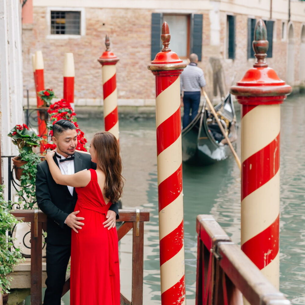 Eva Vasilyeva travel wedding photographer in venice