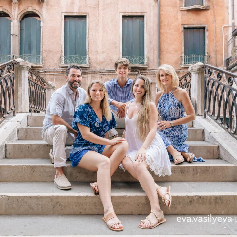family travel photographer in venice